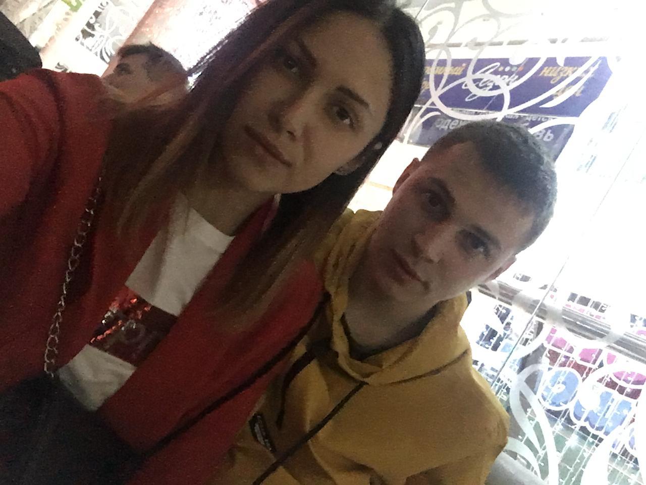 Алексей Земляникин со своей девушкой Ириной Канунниковой