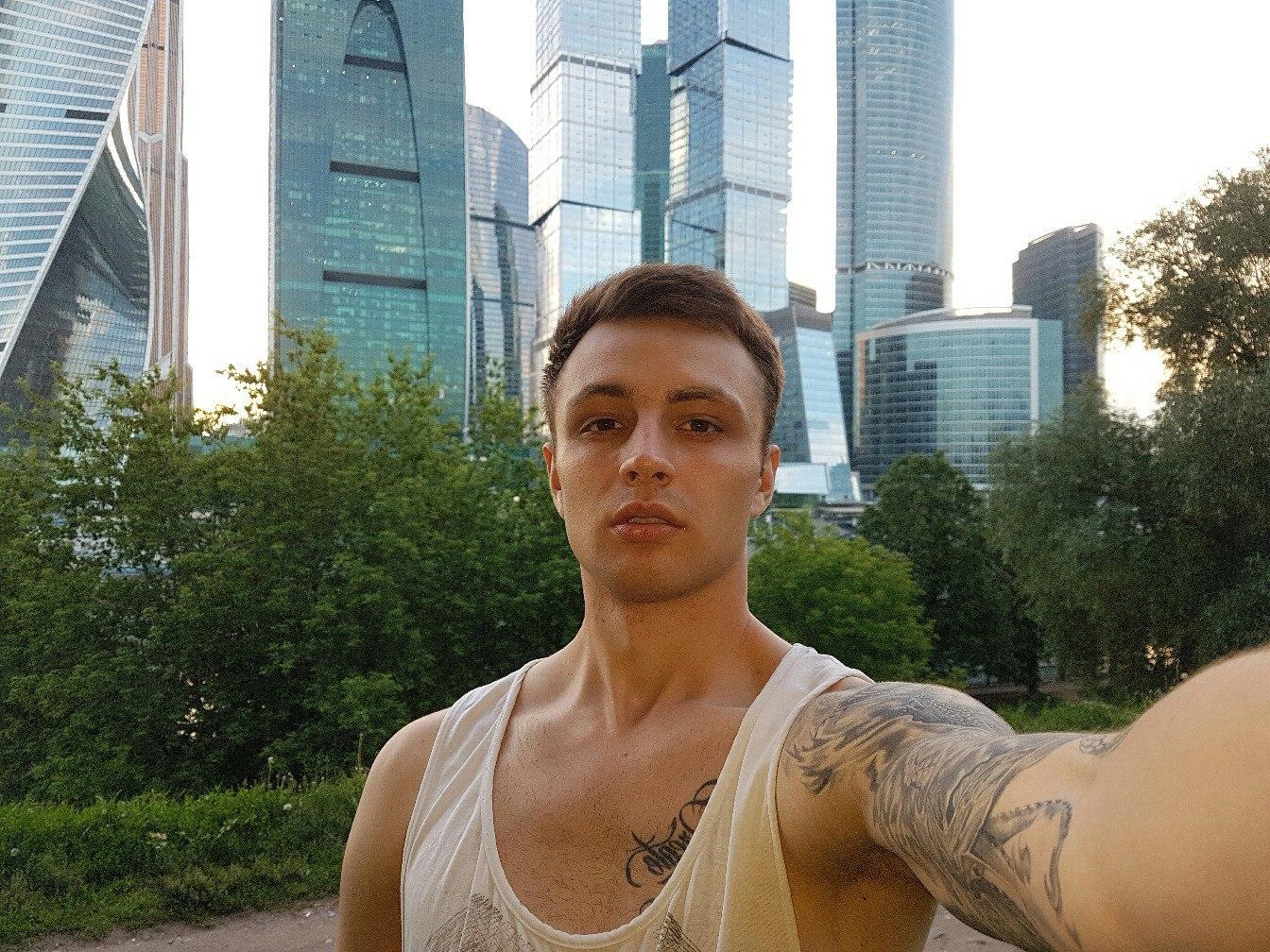 Певец МЭВЛ (Владислав Самохвалов), его биография и личная жизнь.