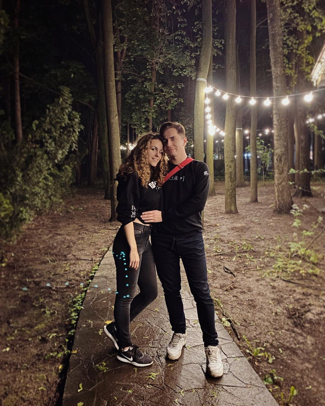Дмитрий Побединский со своей девушкой