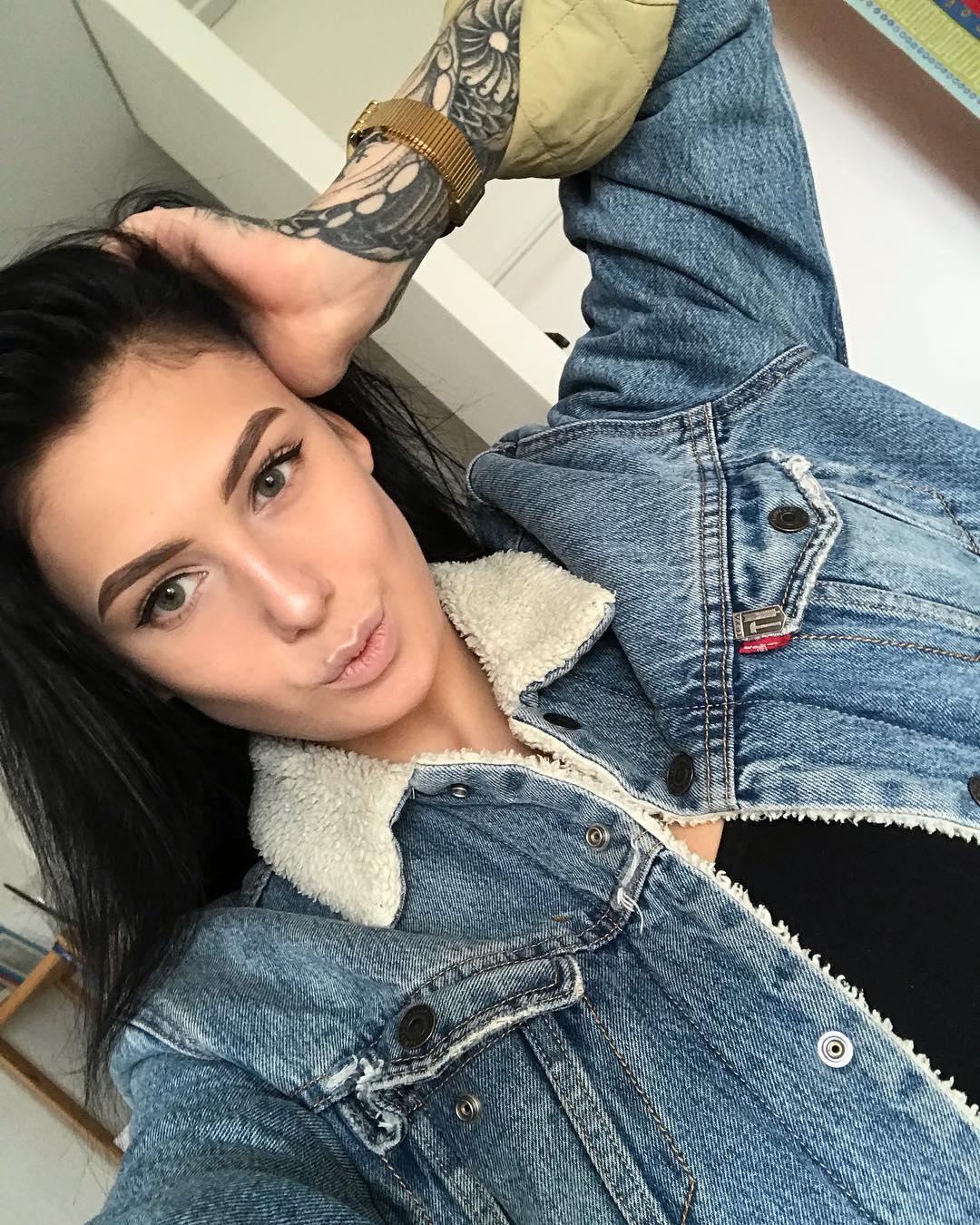 Модель в стиле «ню», tattoo-model Евгения Таланина, ее биография и деятельность.