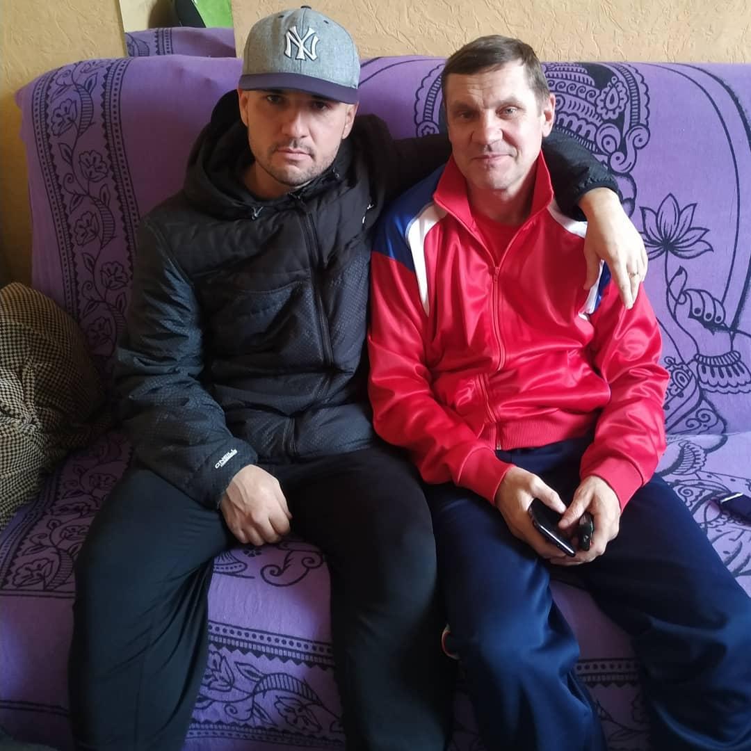 Назар Илишев с тренером по боксу