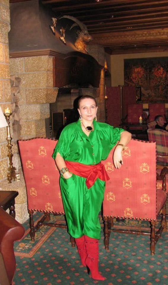 Писательница, политический обозреватель, журналистка Таня Карацуба Сеид-Бурхан, ее биография и деятельность.