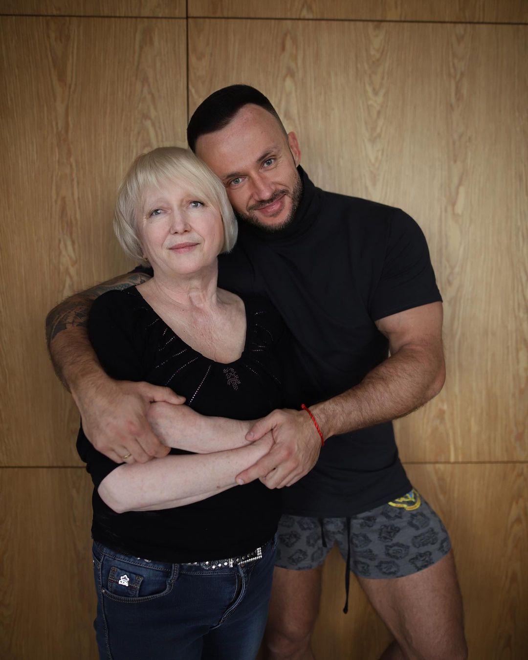 Дмитрий Стужук с мамой